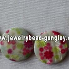 flower print freshwater shell beads