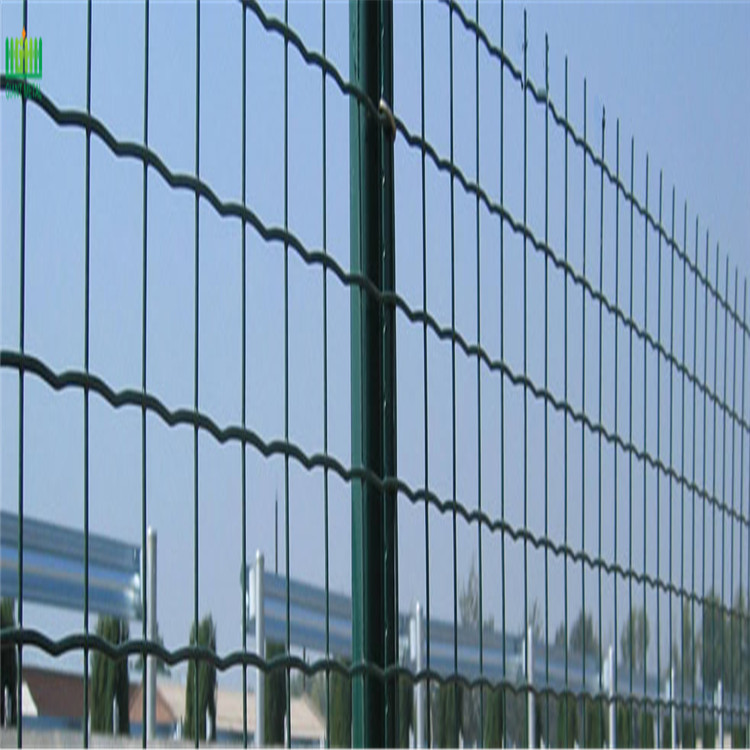 low+price+pvc+coated+euro+fence