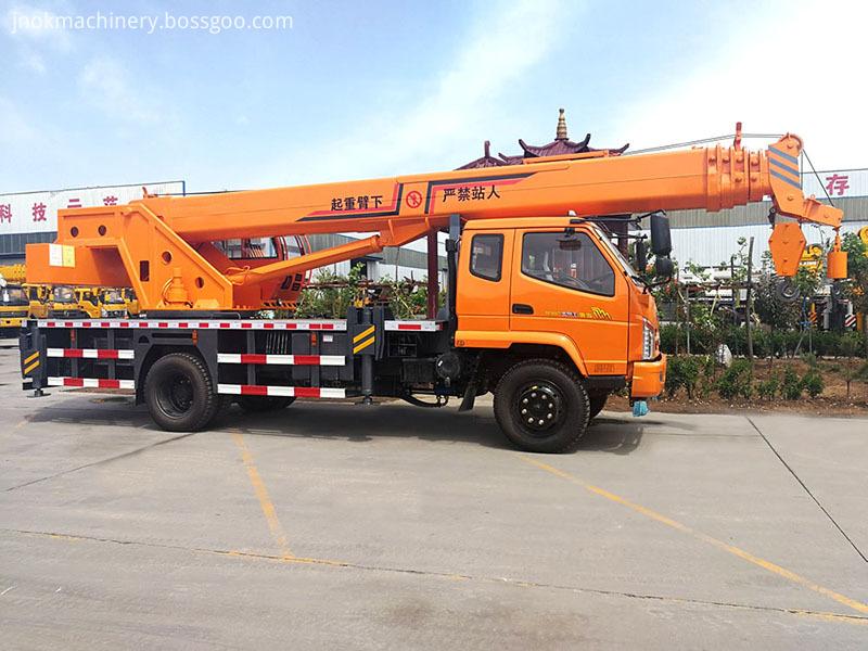 8 Ton Truck Mounted Crane