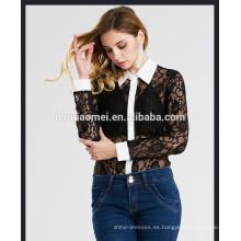 Venta al por mayor de China señoras del desgaste del verano collar acentuado camisa de encaje de manga larga brote empalme de seda encantadora mujer camiseta