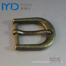 Small D Forma Pin Belt Buckle com latão antigo Electroplating para cintos, sapatos e sacos