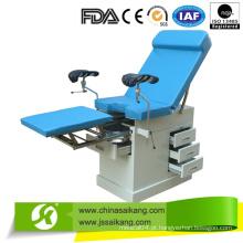 Cama de exame ginecológico com seção de pé retrátil