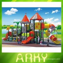 Terrain de jeu extérieur pour les enfants de 2014
