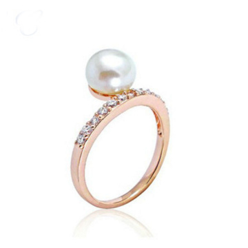 Rose Gold Pearl Engagement Cincin