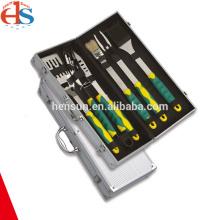 Kunststoffgriff-BBQ-Werkzeugsatz in Aluminiumbox