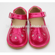 Новорожденные красивые причудливые детские туфли