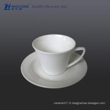 Vente en gros de jolie porc chinois thé vert tasses / tasses blanches et soucoupes à vendre