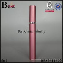 Botella de perfume roja del palillo de la forma de la pluma de la venta caliente 6ml de Alibaba, hecha en China