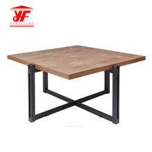 Designs de table de centre en bois massif pour le salon