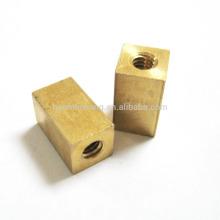 Cierre de cobre por encargo del torno del CNC de la precisión