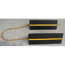 Cales de roue en caoutchouc plein 456 * 158 * 134 mm avec bande et ficelle