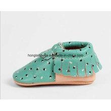 Zapatos de bebé de borlas de cuero 02