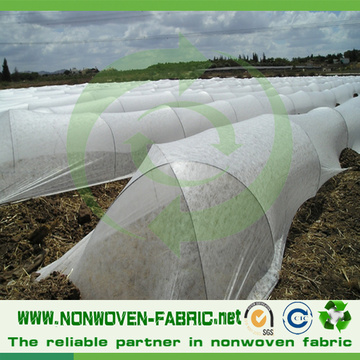 Tela agrícola no tejida en color blanco