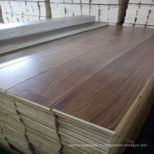 Plancher en bois d'ingénierie de noyer noir de planche large