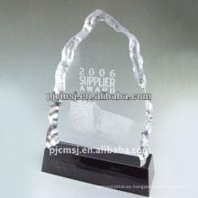 Venta caliente de buena calidad grabado delicado trofeo de cristal de moda premios