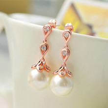 Desain Anting Imitasi Pearl Dangle