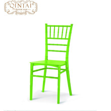 Échantillon gratuit prix usine empilable en plastique Tiffany chaise de mariage