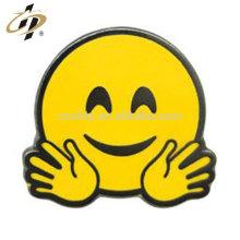 Métal personnalisé estampage émail peinture épinglettes heureux émoticône