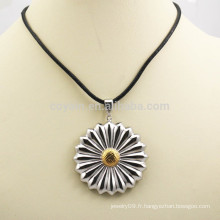 Collier pendentif en fleurs artificielles en métal à deux tons pour cadeau