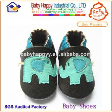 Zapatos de bebé de cuero casual suave al por mayor
