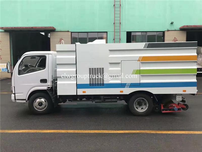Road Sweeper Truck 3