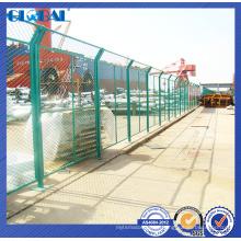 A cerca de fio revestida do pó do certificado do ISO para o campo de jogos / oficina isolou o sistema da cerca