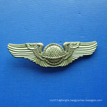 Antique Gold Plated Zinc Alloy Badge (GZHY-BADGE-018)