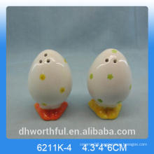Flower figurine egg shape ceramic pepper &salt shaker