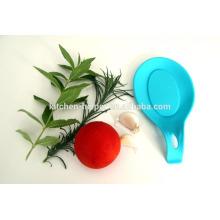 Микроволновый кухонный держатель для посуды