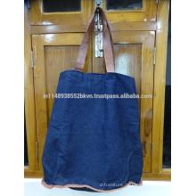 Blaue große Tasche