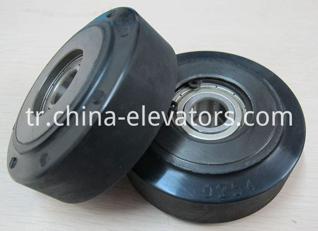 Hitachi Escalator Step Roller with TWO bearings
