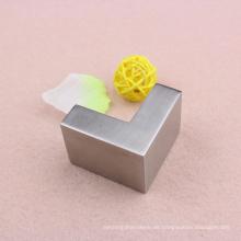 China Professionelle Edelstahl 304 Glas Conner Kreuz mit hoher Qualität
