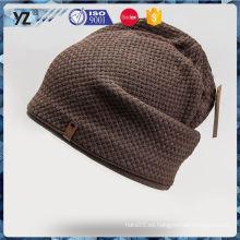 Los hombres simples del diseño de la fuente de la fábrica despejaron el sombrero del knit hecho en China
