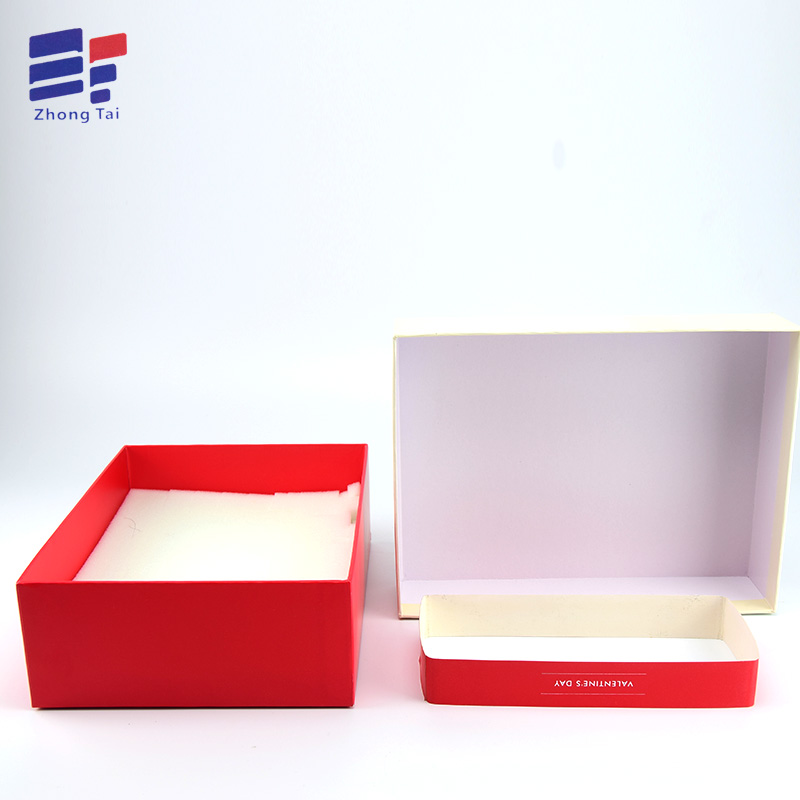 Custom Paper Clothing Box