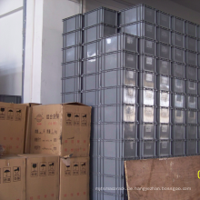 Bunter stapelbarer Plastikbehälter