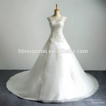Sweatheart V profundo Neck Emboridery Lace Appliqued vestido de cauda longa frisado Puffy vestido de baile Long Train vestido de casamento de luxo