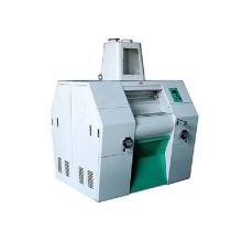 Pneumatic controlling roller flour mill