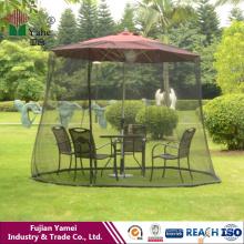 La pantalla de la mesa del paraguas mantiene a mosquitos de los insectos hacia fuera