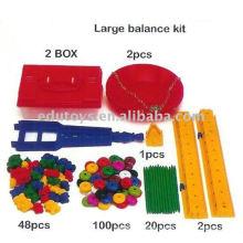 Niños creativos escala de plástico para preescolar