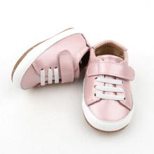 Różowa, skórzana sukienka do butów
