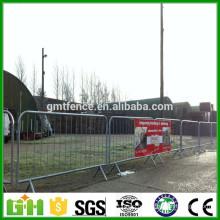 Barrière de contrôle de foules en métal usée en gros / barrières amovibles de contrôle de foules de route
