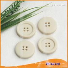 Botón de poliéster / Botón de plástico / Botón de camisa de resina para el escudo BP4212