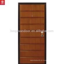 Decoração interior de estilo tradicional Design de porta de madeira de noz