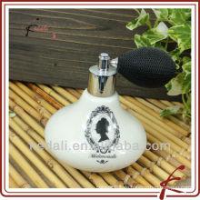 Dame Keramik-Parfüm-Flasche