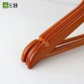 17.5 pulgadas barra redonda familia camisa venta por mayor de perchas de madera de colores