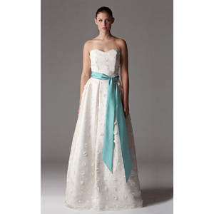 A-line Sayang Lantai-panjang Stain Tulle Wedding Dress