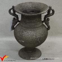 Flor de hierro fundido gris con pedestal con clase Flor de metal antiguo con flor