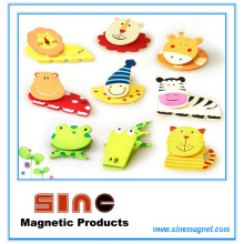 Painted Wooden Cartoon Fridge Magnet with Clip