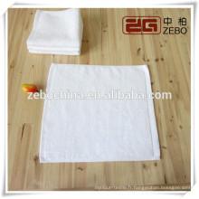 100% coton 30 * 30cm carré blanc en gros serviette à main pour l'hôtel