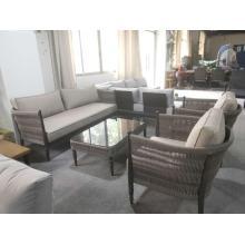 Balcón conjunto de muebles de cuerda al aire libre